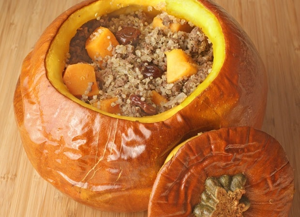 Quinoa and Venison Stuffed Pumpkin. Learn how to make this healthy gluten free dish at This Mama Cooks! On a Diet - thismamacooks.com