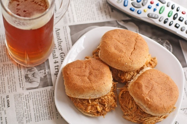 Slow Cooker Buffalo Chicken and Ranch Sliders at This Mama Cooks! On a Diet - thismamacooks.com