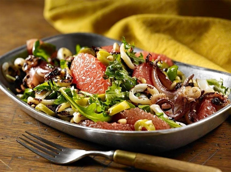 Grilled Calamari with Grapefruit, Olives and Pine Nuts at This Mama Cooks! On a Diet - thismamacooks.com