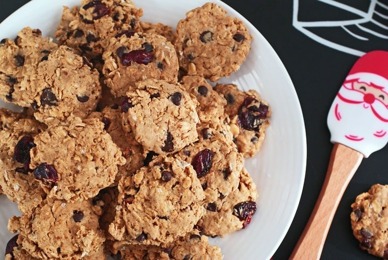 Get the Best Gluten Free Oatmeal Cookie Recipe at This Mama Cooks! On a Diet - thismamacooks.com