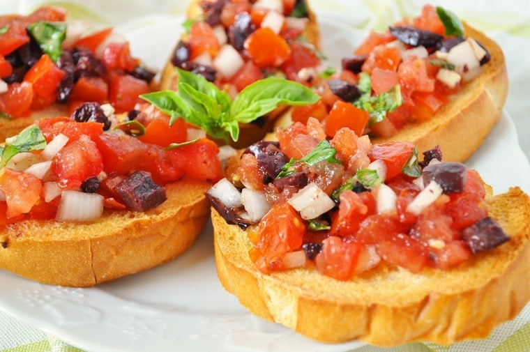Get the recipe for Tomato Bruschetta at This Mama Cooks! On a Diet