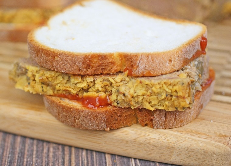 Go back to school with these Gluten Free Meatloaf Sandwiches! Get the recipe at This Mama Cooks! On a Diet