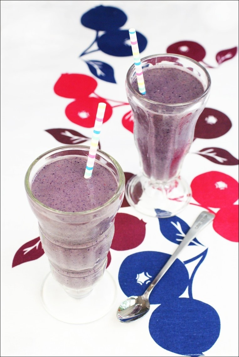 Love making smoothies but can't deal with the whey in protein powders? Check out this dairy free recipe for this Easy Protein Rich Smoothie from This Mama Cooks! On a Diet made with frozen berries, coconut milk and a vegetarian/vegan protein powder.