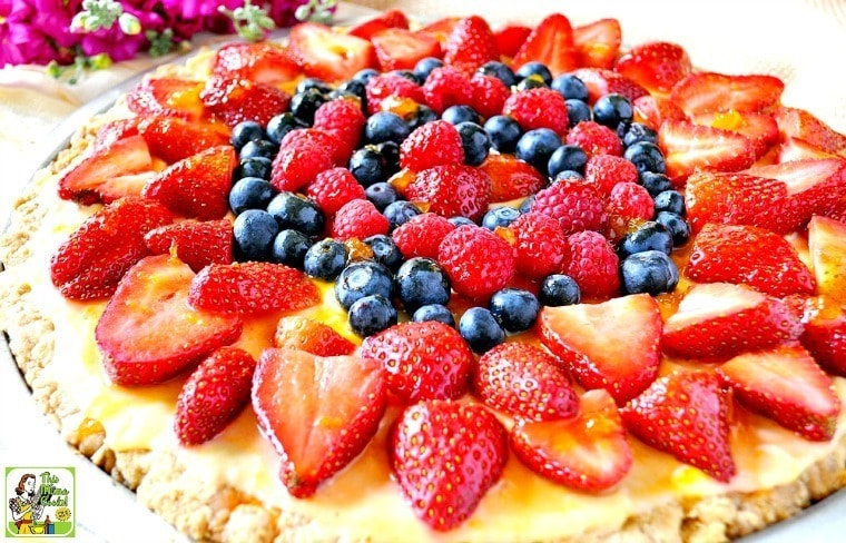 Looking for an easy cookie cake recipe for the summer holidays? Try this Berry Good Oatmeal Cookie Cake! It's perfect for your Memorial Day or Fourth of July cookout!
