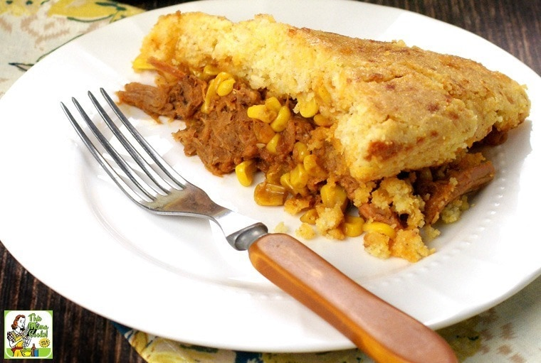 Looking for quick and easy dinner ideas? One skillet dinners with pulled pork and gluten-free cornbread will have your family asking for seconds!