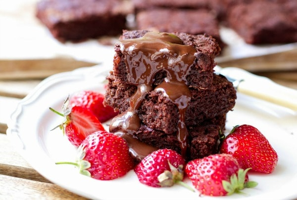 Gluten Free Thanksgiving Desserts - Paleo Chocolate Brownies that Blew Me Away from Eat Drink Paleo