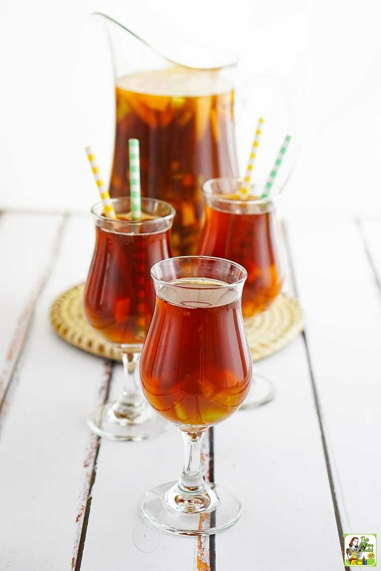 Fruit tea is a healthy alternative to drinking sodas. This fruit tea recipe is super easy to make!
