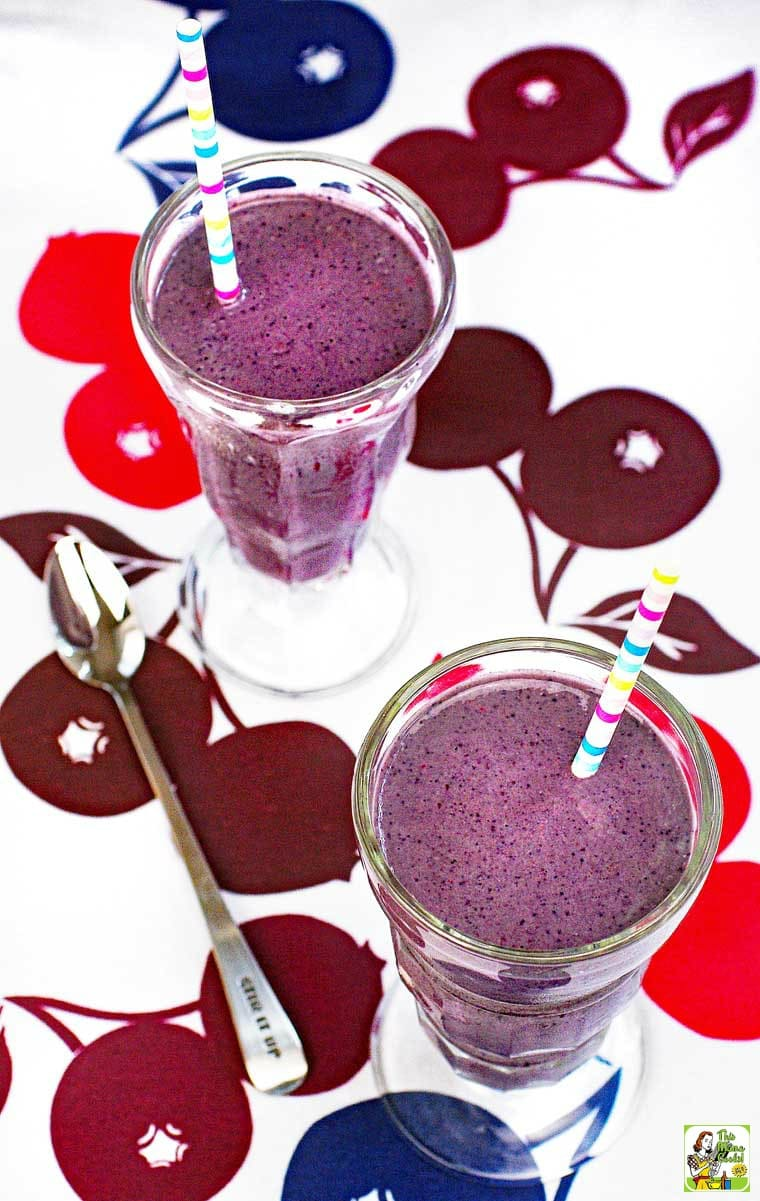 Love berry smoothies recipes? This one is protein packed!