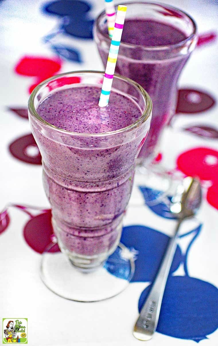 Adding protein powders to berry smoothies helps staves off hunger between meals.