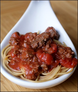 whole wheat spaghetti with meat sauce